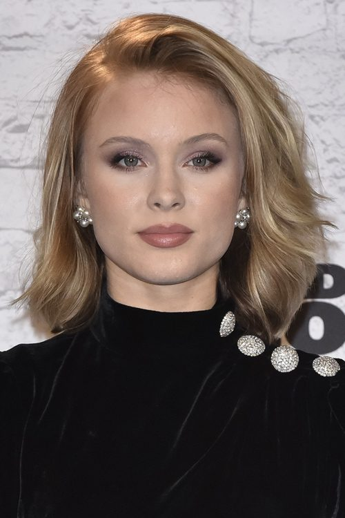 Zara Larsson S Hairstyles Amp Hair Colors Steal Her Style