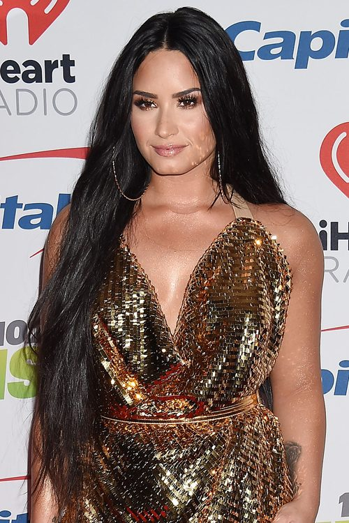 Demi Lovatos Hairstyles Hair Colors Steal Her Style