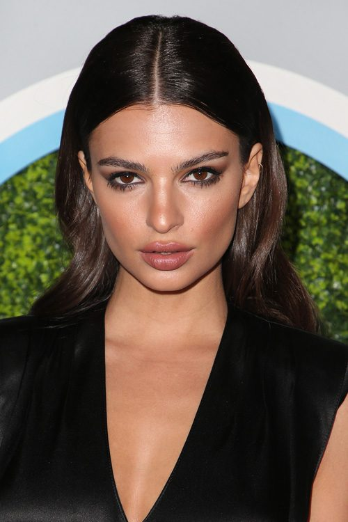 Emily Ratajkowski S Hairstyles Amp Hair Colors Steal Her Style
