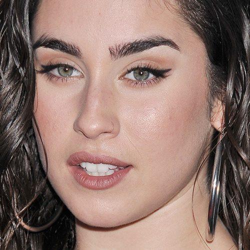 Mv Kiss And Makeup: Lauren Jauregui