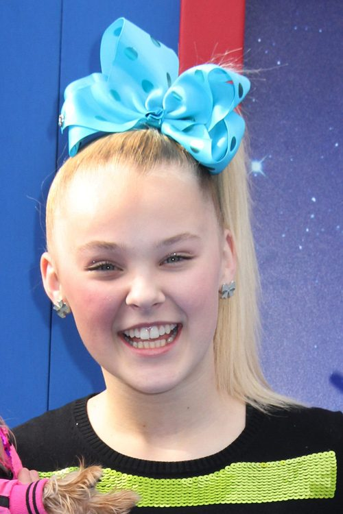 Jojo Siwa S Hairstyles Amp Hair Colors Steal Her Style
