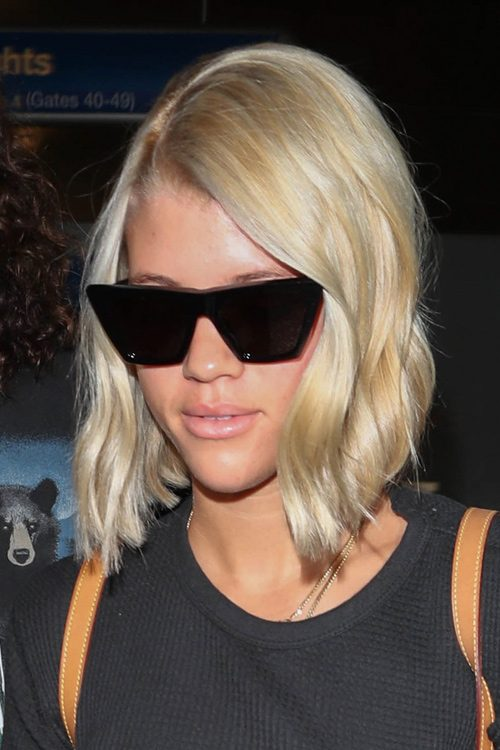 Sofia Richie S Hairstyles Amp Hair Colors Steal Her Style