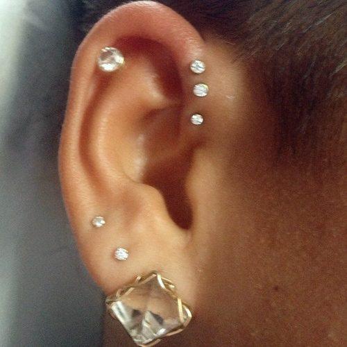 139 Celebrity Helix Cartilage Piercings