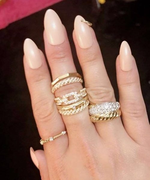 14 Celebrity Nail Art Photos With Piercing