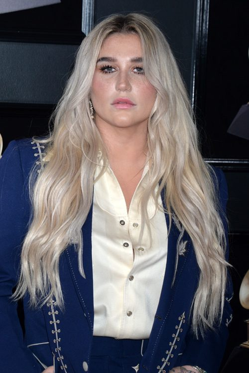 Kesha S Hairstyles Amp Hair Colors Steal Her Style