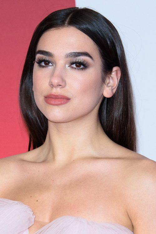 Dua Lipa S Hairstyles Amp Hair Colors Steal Her Style