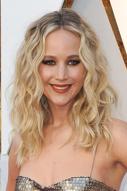 Jennifer Lawrence S Hairstyles Hair Colors Steal Her Style