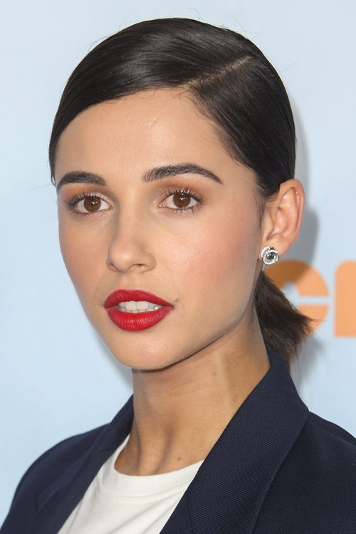 Naomi Scott S Hairstyles Amp Hair Colors Steal Her Style