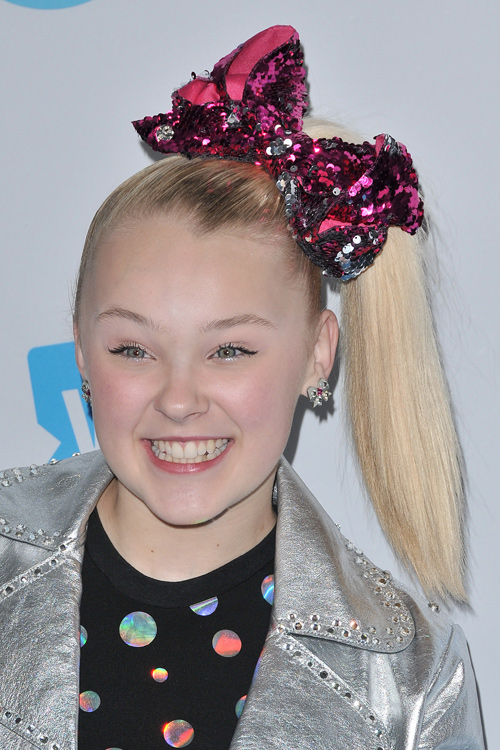 jojo siwa hair hairstyles hairstyle bow ponytail blonde straight pacificcoastnews picturelux colors platinum stealherstyle