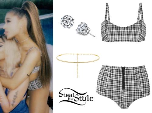 Grande bikini Ariana