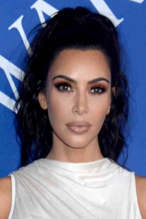 Kim Kardashian\'s Hairstyles & Hair Colors | Steal Her Style