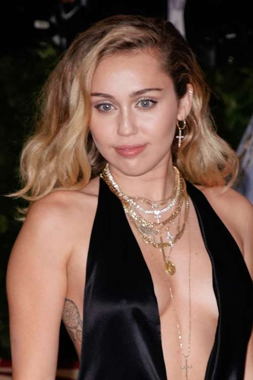 Miley Cyrus Hairstyles Hair Colors Steal Her Style