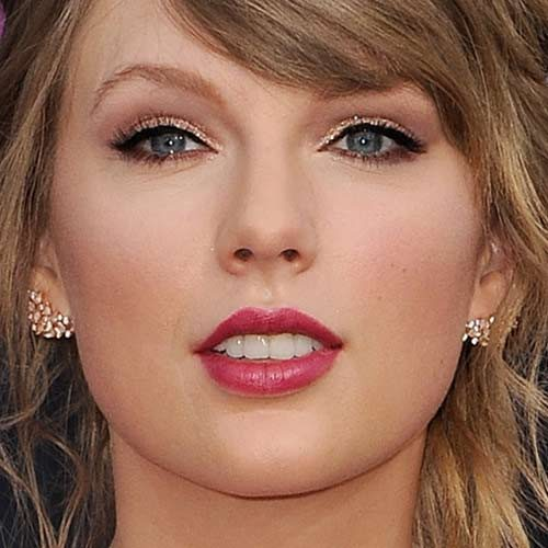 Taylor Swift S Makeup Photos Products Steal Her Style