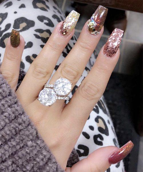 Gabi Demartino S Nail Polish Amp Nail Art Steal Her Style