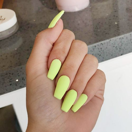 23 Celebrity Light Yellow Nail Polish Photos