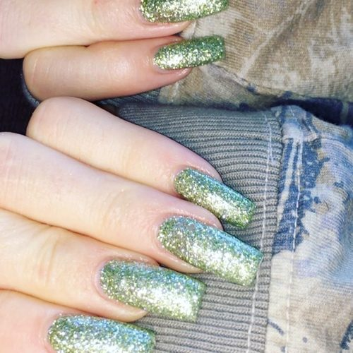 Kylie Jenner Green Glitter Nails Steal Her Style