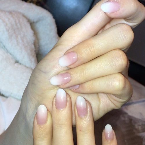 Hailee Steinfeld Nude Nails | Steal Her Style