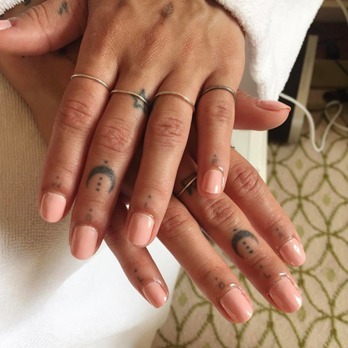 Zoë Kravitz Nude Nails   Steal Her Style