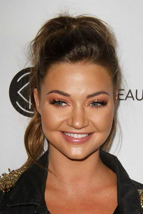 Erika Costell S Hairstyles Amp Hair Colors Steal Her Style