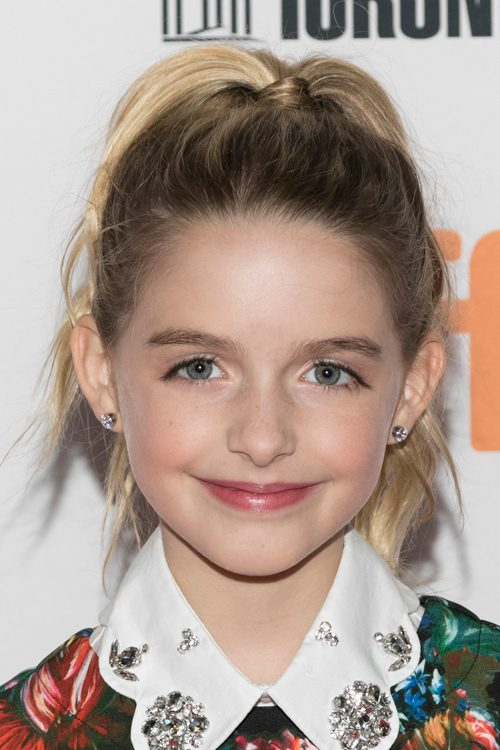 Mckenna Grace S Hairstyles Amp Hair Colors Steal Her Style
