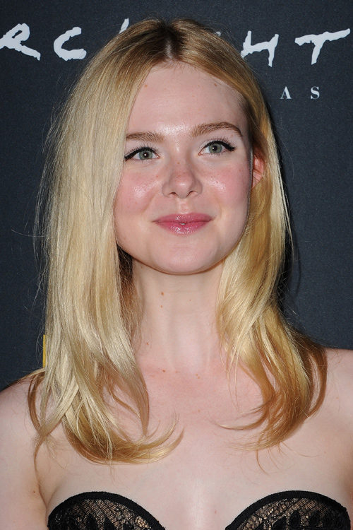 Elle Fanning S Hairstyles Amp Hair Colors Steal Her Style