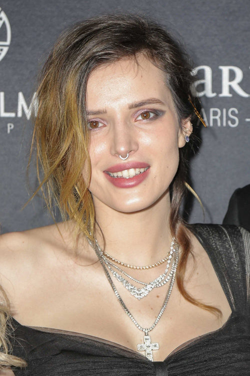 Bella Thorne S Hairstyles Hair Colors Steal Her Style