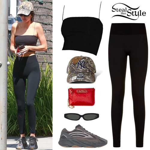 923b65a9f77357 Kendall Jenner  Black Crop Top and Leggings