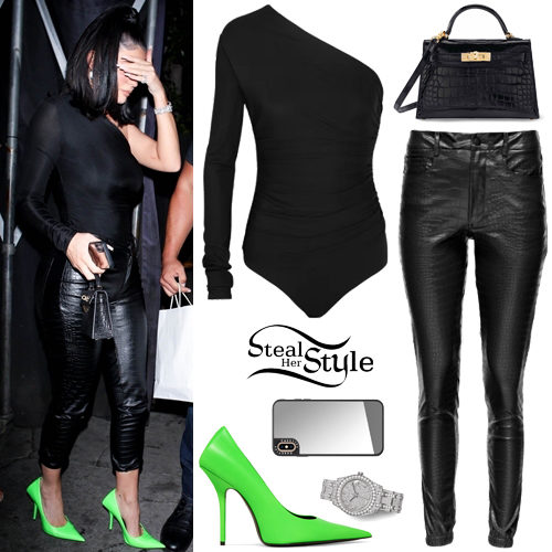 Kylie Jenner Clothes & Outfits | Page 3 of 39 | Steal Her