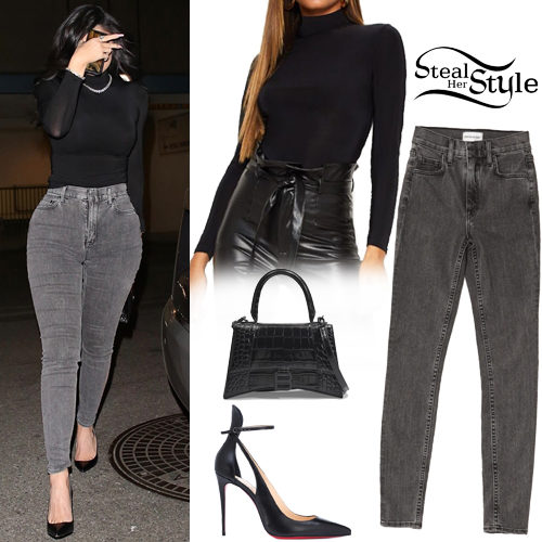 Kylie Jenner: Black Top, Grey Skinny Jeans | Steal Her Style