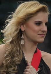 Juliet Simms' Hair